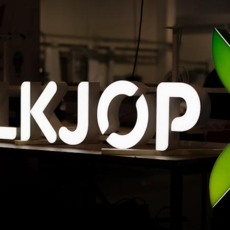 Alkjop volumetric letters