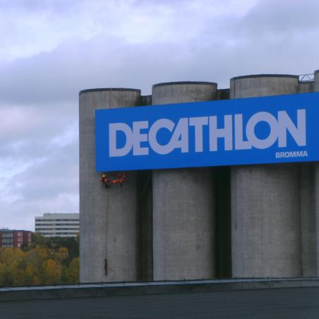Decathlon Advertising installation